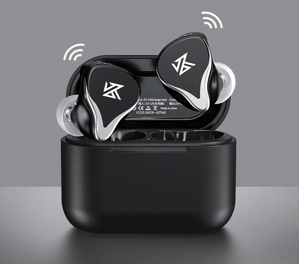 KZ Z3 with charging box